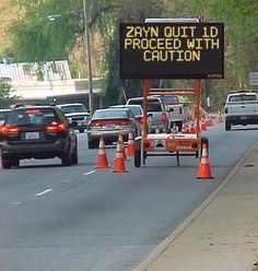 Funny Street Signs, Funny Road Signs, Truck Signs, Pale Tumblr, Construction Signs, Construction Worker, Construction Images, Funny Comedy, College Humor