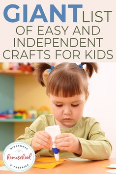 When you're stuck inside, crafts are a great way to pass the time and get creative with your kids! Check out these easy and independent crafts for kids. Felt Crafts Kids, Green Crafts For Kids, Preschool Arts And Crafts, Craft Projects For Kids, Paper Crafts For Kids, Preschool Learning, Preschool Activities, Fun Crafts, Family Activities