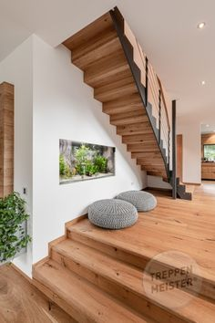 Home Interior Design, Interior Styling, Escalier Design, Staircase Design, Wooden Flooring, Beautiful Homes, Home And Family, Sweet Home, Stairs