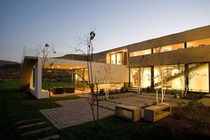 courtyard-house-with-glass-lower-floor-and-concrete-upper-11.jpg
