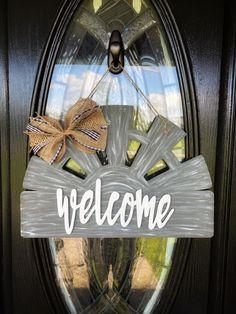 Barn Wood Crafts, Bohemian Bedroom Decor, Front Door Decor, Front Porch, Spring Door, Minimalist Home Decor, Wood Cutouts, Diy Door, Paint Party