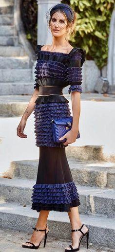 Inés Domecq: la mejor vestida de la boda del año nos cuenta en qué consistió su estilismo | Vanity Fair Arty Fashion, Indie Fashion, Estilo Converse, Estilo Indie, Black Tie, Lace Skirt, Leather Skirt, Street Style, Lifestyle