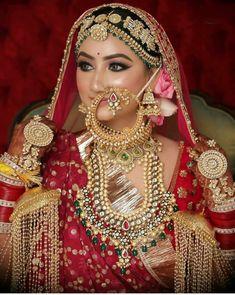 Indian Bridal Photos, Indian Bridal Outfits, Indian Bridal Makeup, Indian Bridal Fashion, Asian Bridal, Bridal Bangles, Bridal Jewelry Sets, Bridal Jewellery, Indian Wedding Bride