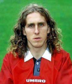 Karol Poborsky: girly hair. Football Photos, Football Shirts, Football Players, Girl Hairstyles, Hairdos, Comb Over, Bad Hair Day, Perm, Back In The Day