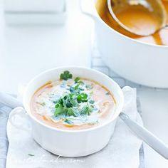Zupa krem dyniowa curry z mlekiem kokosowym i kolendrą | Kwestia Smaku