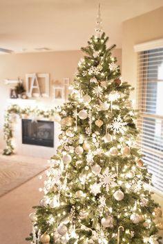 A Golden Glittery Christmas Home Tour!
