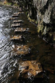 stepping stones walk | cheedale, derbyshire.