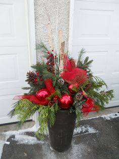 decoration eglise I created this in my garage last night. Thought I would share with all of you. Outdoor Christmas Planters, Christmas Urns, Christmas Flowers, Outdoor Christmas Decorations, Christmas Holidays, Christmas Wreaths, Christmas Crafts, Christmas Offers, Christmas Flower Arrangements