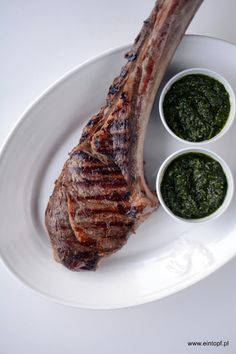 eintopf: stek wołowy Tomahawk z sosem chimichurri