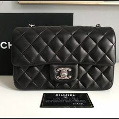 a5c6bbfda9b Auth 2018 Classic CHANEL Caviar Double Flap 2.55 Gorgeous 100% Authentic  2018 CHANEL Classic Medium Quilted Black Caviar Leather Gold …