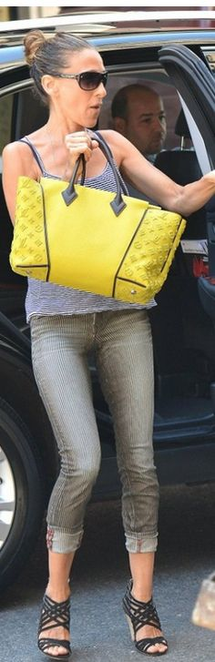~SJP With Her Yellow & Black Louis Vuitton handbag | Researched By The House of Beccaria#