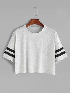 Camiseta corta hombro caído de raya universitaria - gris