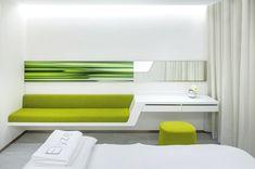 Neo Derm Medical Centre, Hong Kong - http://www.adelto.co.uk/contemporay-commercial-interior-design-neo-derm-medical-centre-hong-kong