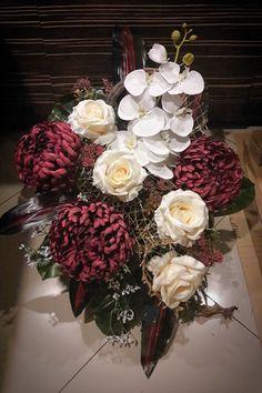 Kompozycja nagrobna 2017 wyk. Sylwia Wołoszynek Ikebana, Funeral, Pesto, Watercolor Paintings, Floral Wreath, Wreaths, Flowers, Decor, Floral Motif