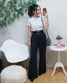 outfits with bralettes Office Outfits Women, Edgy Outfits, Fashion Outfits, Look Office, Office Looks, Work Fashion, Fashion 2020, Lawyer Fashion, Business Dresses