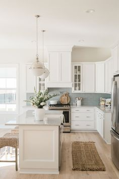 Farmhouse Kitchen Decor Ideas: Great Home Improvement Tips You Should Know! You need to have some knowledge of what to look for and expect from a home improvement job. Home Design, Room Interior Design, Design Ideas, Design Design, Design Blogs, Design Concepts, Rustic Design, Interior Paint, Design Inspiration
