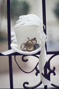 Steampunk chapeau