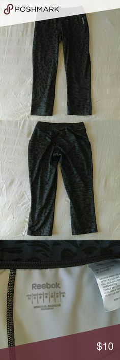 Reebok Leggings Size small work out capri leggings. Spandex material, stretchy, but my butt is too big! Like new, bought before my pregnancy. Reebok Pants Leggings
