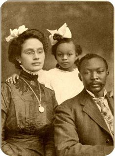 Family of 3 [c1916; Names Unknown.
