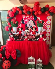 44 Trendy Ideas for disney birthday party themes minnie mouse Minnie Mouse Birthday Decorations, Minnie Mouse Theme Party, Red Minnie Mouse, Mickey Mouse Clubhouse Birthday, Mickey Mouse Birthday, Mickey Mouse Backdrop, Cupcakes Mickey, Red Birthday Party, Deco Table