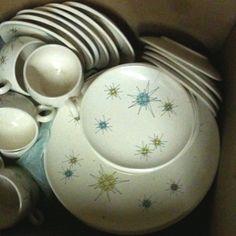 Vintage 1950s Franciscan starburst dinner wear dish set (for sale)