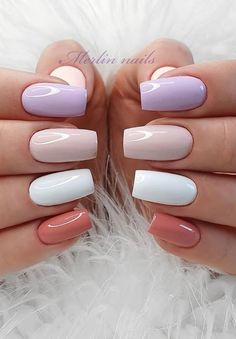 When you attend a dinner or formal occasion, this elegant nail is the best choice. You can use the nail polish and bright powder to shine. You don& need too difficult skills and too long to go out. It& a nail brush that everyone can easily use. Acrylic Nails Coffin Short, Simple Acrylic Nails, Best Acrylic Nails, Elegant Nails, Stylish Nails, Trendy Nails, Multicolored Nails, Gel Nails, Nail Polish