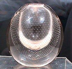 Gunnel Nyman's vase (c. Lassi, Modern Glass, Glass Design, Scandinavian Design, Timeless Design, Finland, Glass Art, Bubbles, Stig Lindberg