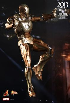 This thing is incredible!   Hot Toys : Iron Man 3 - Midas (Mark XXI) Collectible Figure 1/6th scale Collectible Figure