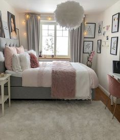 Girl Room Decor Ideas - How can a teenage girl decorate a small bedroom? Girl Room Decor Ideas - How do you decorate a small bedroom? Cute Bedroom Ideas, Modern Bedroom Decor, Stylish Bedroom, Room Ideas Bedroom, Small Room Bedroom, Bedroom Inspiration, Bedroom Furniture, Bedroom Designs, Master Bedroom