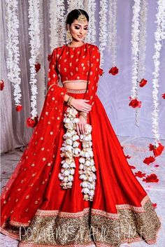 gorgeous simple red gold wedding lehenga. Click on picture to see lehenga price. #Frugal2Fab Pakistani Fashion Party Wear, Indian Bridal Fashion, Pakistani Dress Design, Pakistani Dresses, Indian Dresses, Indian Wedding Outfits, Indian Outfits, Raw Silk Lehenga, Red Lehenga