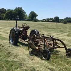 Farmall with hay rake Agriculture, Farming, Tractor Implements, Trending Photos, Old Farm Equipment, Old Tractors, Down On The Farm, International Harvester, Farm Life