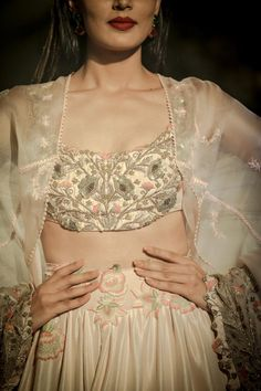 In its journey, Anamika Khanna's Couture 2016 collection experiences moments when time stands still. Bridal Lehenga Choli, Pakistani Bridal Dresses, Pakistani Outfits, Indian Dresses, Indian Bridal Wear, Indian Wedding Outfits, Indian Outfits, Indian Wear, Heavy Dresses