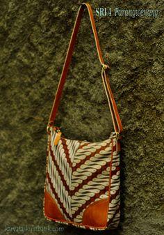 Sri 4 S Parang Wenang ( Tas Kulit Batik ) by Karyatasku