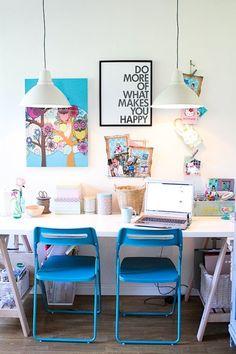 """Esta palavra """"home-office"""" tão em moda, pode ser tanta coisa diferente que resolvi falar sobre isso: Para você, que """"home-office"""" é necessário?  Você precisa de um local para receber pessoas ? Você quer um lugar para praticar seus hobbies? Você precisa de um lugar para estudar ? Para acessar o seu computador e falar com seus amigos? Ou para trabalhar?  A função do """"home-office"""" vai definir como ele vai ser..."""