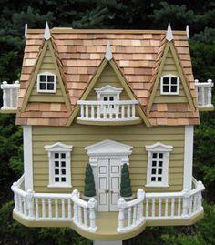 Le Chateau ~ My kind of birdhouse! Idea for dollhouse also.