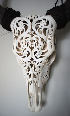 Beautiful carved buffalo skull with intricate Roccoco detail Skull Animal, Painted Animal Skulls, Carved Skulls, Cow Skull Decor, Cow Skull Art, Deer Head Decor, Bull Skulls, Deer Skulls, Deer Skull Tattoos