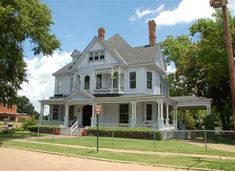 Victorian houses in Shreveport