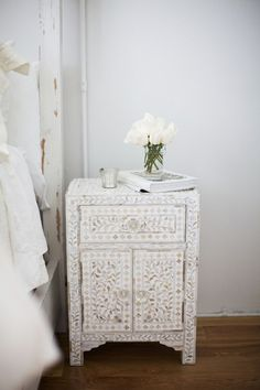 Bedside table: Mother of Pearl Inlay
