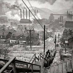 Jack Delano - Pittsburgh, Pennsylvania, 1940. Hazelwood.