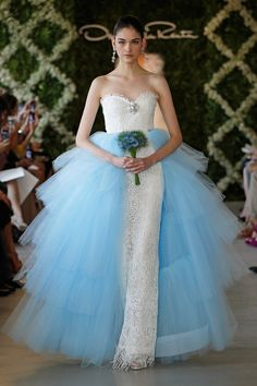Oscar de la Renta sweetheart column bridal gown with blue tulle tiered