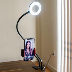 Selfie držák na telefon s LED přisvícením | Bestdarky.cz Desk Lamp, Table Lamp, Magick, Led, Lighting, Shop, Products, Table Lamps, Witchcraft