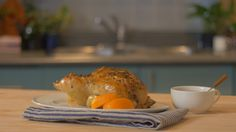 Recipe with video instructions: Citrus chicken is a great go-to recipe to add juice and zest to ordinary chicken.  Ingredients: 1 chicken, uncooked (1.5-1.7 kg), Salt and pepper, Olive oil, 1 bunch fresh sage, 1 orange, quartered, 1 cup chicken stock, Glaze: 1/3 cup marmalade, 1 tsp soya sauce, 1 loose Tbsp chopped sage and ½ tsp ground ginger, Gravy: Juice of 1 orange, ½ cup chicken stock and 1 Tbsp cornstarch