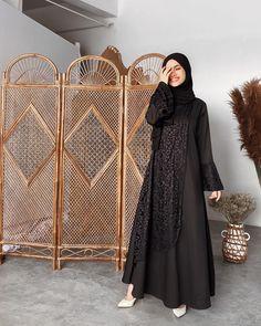 Muslim Fashion, Modest Fashion, Fashion Outfits, Women's Fashion, Kebaya Modern Hijab, Hijab Dress Party, Dress Prom, Hijab Hipster, Dress Brokat