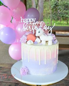 "46 Me gusta, 2 comentarios - Ely M Creations -Cake&CupCakes (@elymcreations) en Instagram: ""So much pretty in Sophia's Disney Princess Rapunzel themed 5th birthday desert table Cake &…"""