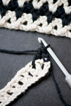 Sublime Crochet for Absolute Beginners Ideas. Capital Crochet for Absolute Beginners Ideas. Crochet Kitchen, Crochet Home, Crochet Crafts, Crochet Yarn, Yarn Crafts, Crochet Projects, Chevron Crochet, Love Crochet, Learn To Crochet