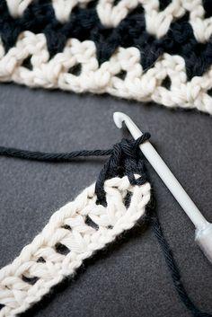 Chevron crochet washcloth tutorial  | lebenslustiger.com