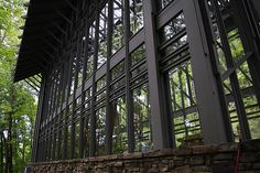 Thorncrown Chapel by E. Fay Jones perfect ilumination unusual shape and size perfect integration modern concept design steel stucture conception