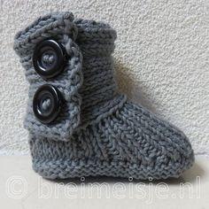 Patroon babysokjes breien - gratis breipatroon van Breimeisje Baby Knitting, Crochet Baby, Baby Uggs, Happy Baby, Knit Patterns, Fingerless Gloves, Arm Warmers, Accessories, Diy Ideas