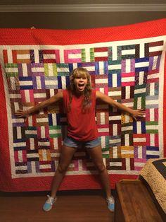 My niece Ms Jessie liked her quilt ;-)