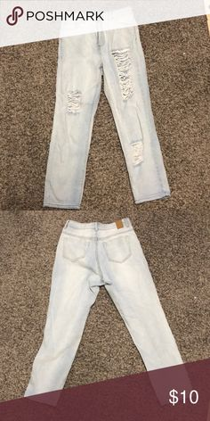 Forever 21 Jeans High waisted, light wash, distressed jeans Forever 21 Jeans Boyfriend